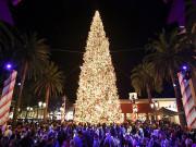 Holiday Tree Lighting at Fashion Island